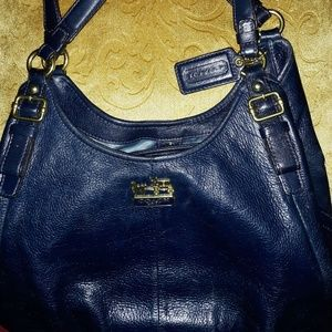 💙 Navy Blue Coach Handbag!